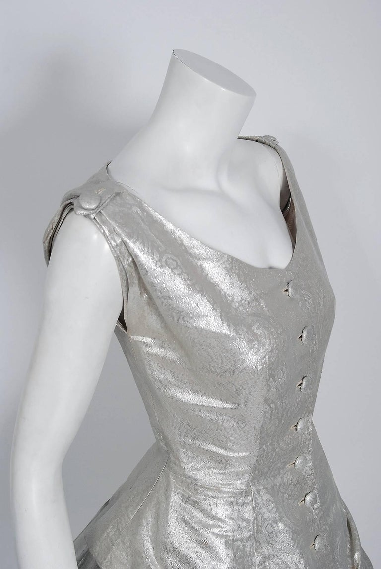 1950's Suzy Perette Metallic Silver Lame Sculpted Full Circle-Skirt Party Dress In Excellent Condition For Sale In Beverly Hills, CA