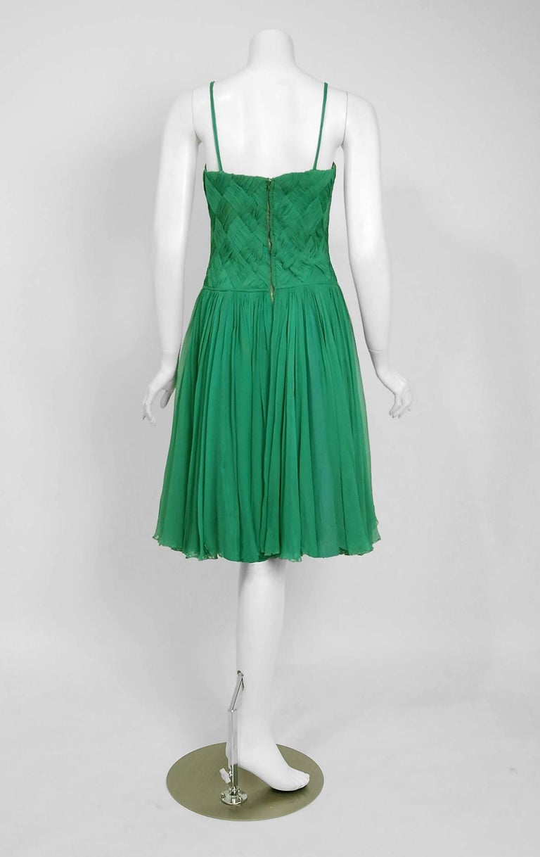 1961 Carven Couture Seafoam Green Ribbon Weave Crepe Chiffon Full-Skirted Dress For Sale 1