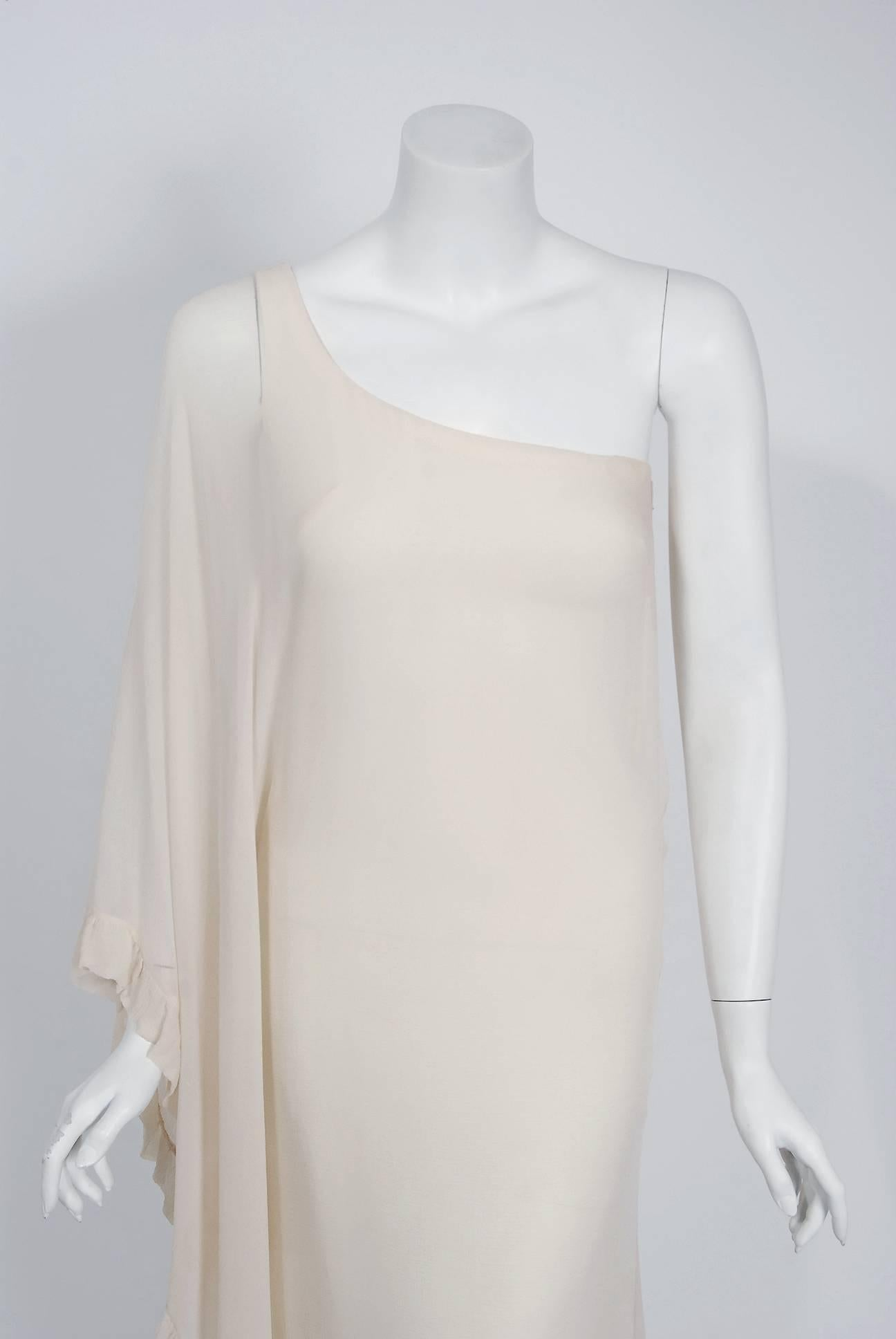 953ed25d49905 1975 Loris Azzaro Couture Ivory Silk Crepe One-Shoulder Goddess Caftan Gown  For Sale at 1stdibs