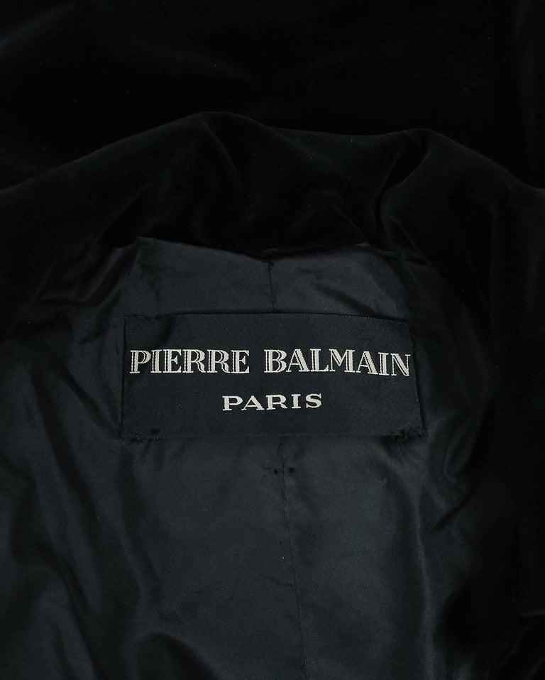 Vintage 1951 Pierre Balmain Haute Couture Black Velvet Wide-Cuff Swing Coat  For Sale 3