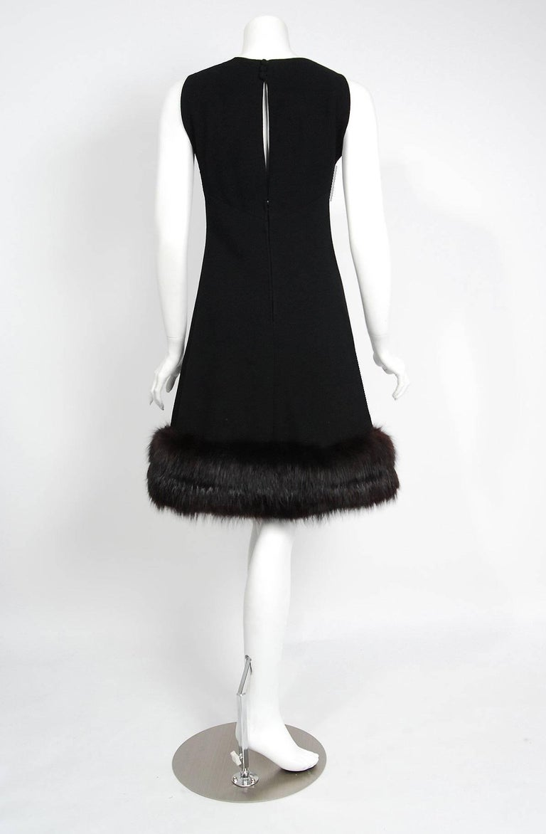 1965 Pauline Trigere Black Wool & Genuine Fox-Fur Cocktail Dress & Capelet Set For Sale 2
