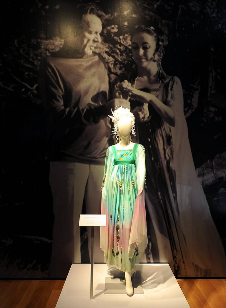 1975 Gina Fratini Elizabeth Taylor Wedding Ombre Design Chiffon Bohemian Dress In Excellent Condition In Beverly Hills, CA