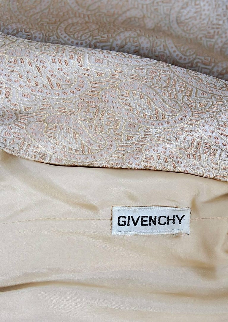 Vintage 1977 Givenchy Haute-Couture Metallic Gold Silk Long-Sleeve Plunge Gown For Sale 2