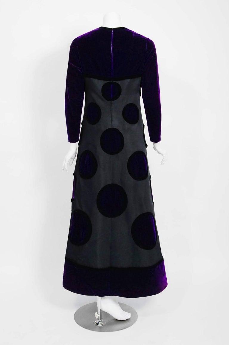 Vintage 1970 Pierre Balmain Haute Couture Purple Velvet Gown & Full-Length Cape For Sale 4
