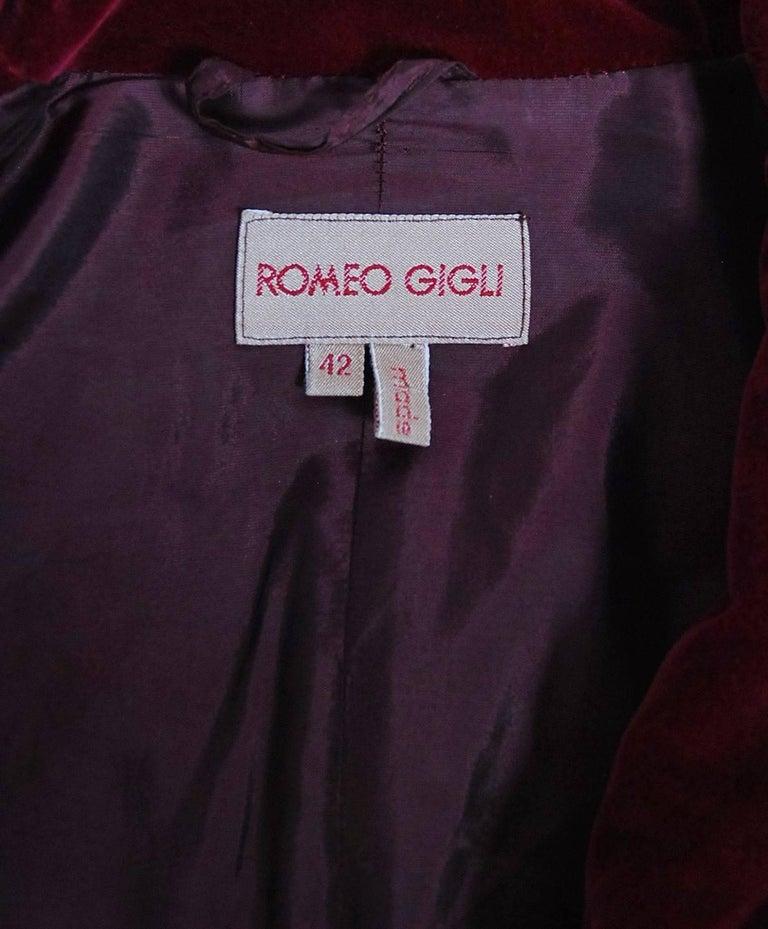 Vintage 1987 Romeo Gigli Museum-Held Red Velvet Jester Petal Swing Coat Jacket  For Sale 2