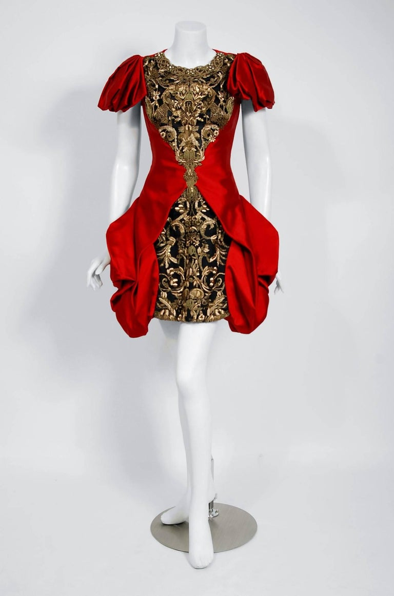 2010 Alexander McQueen Final Runway Collection Red Satin Metallic Bullion Dress In Excellent Condition For Sale In Beverly Hills, CA