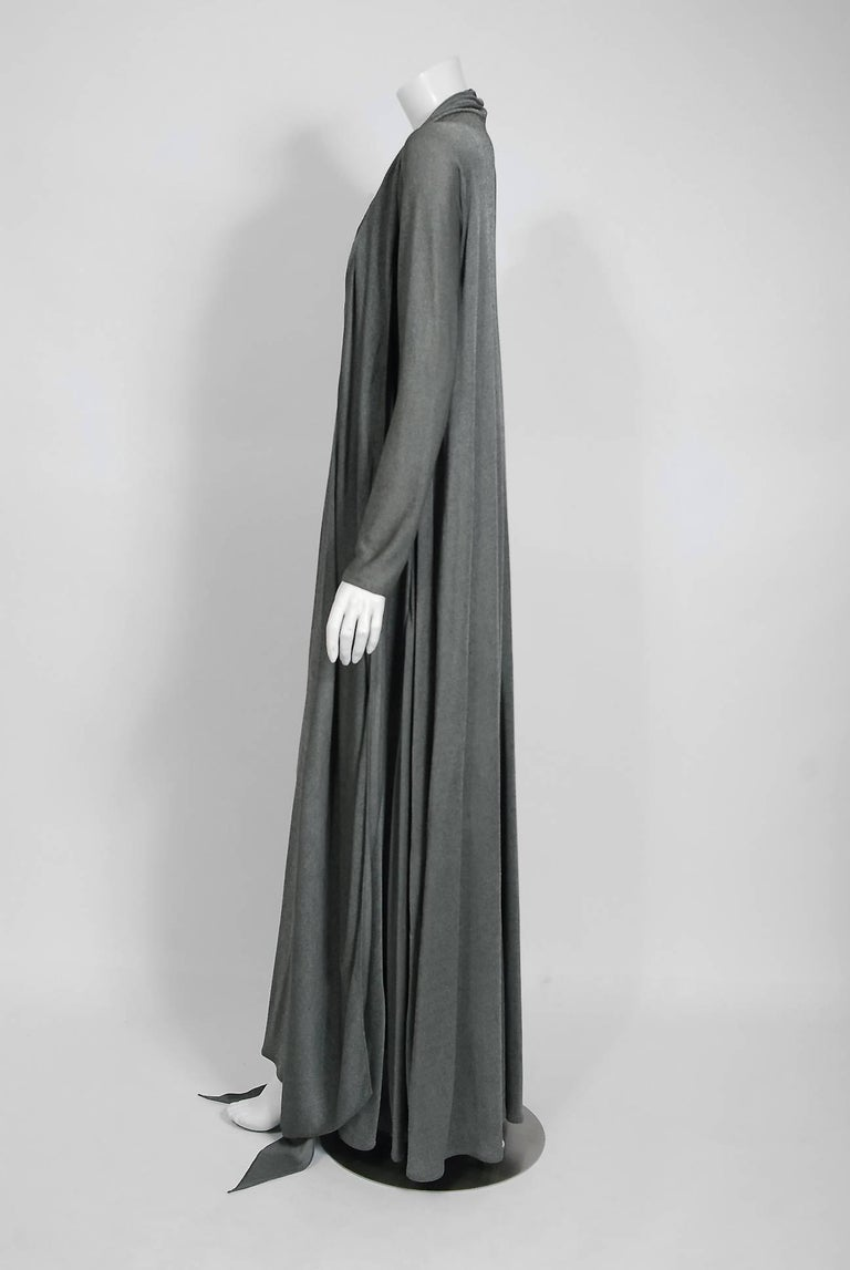 1990 Geoffrey Beene Charcoal Grey Silk-Jersey Draped Scarf High Slit Maxi Dress In Good Condition For Sale In Beverly Hills, CA