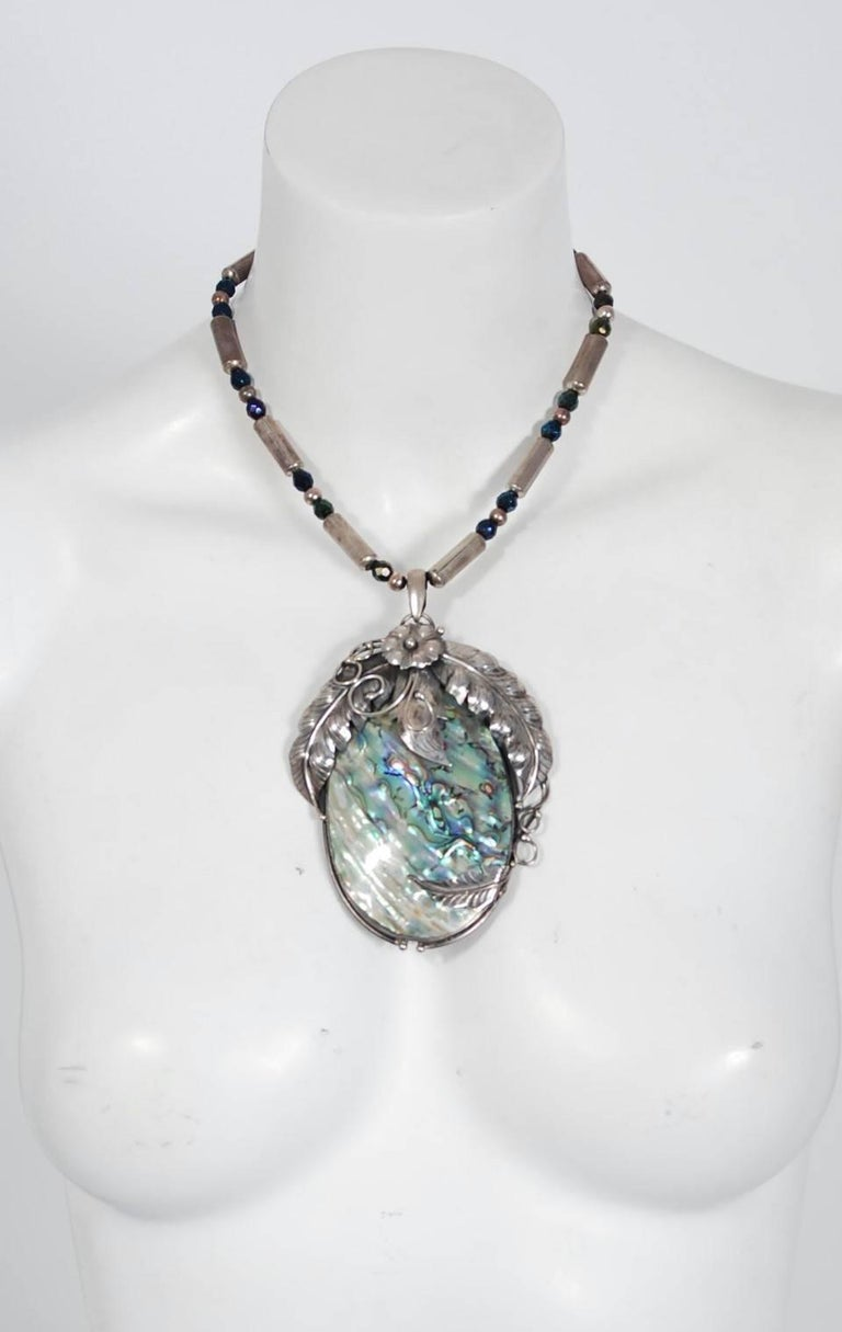 Vintage 1970's Native American Abalone Sterling Silver Feather Motif Necklace For Sale 3