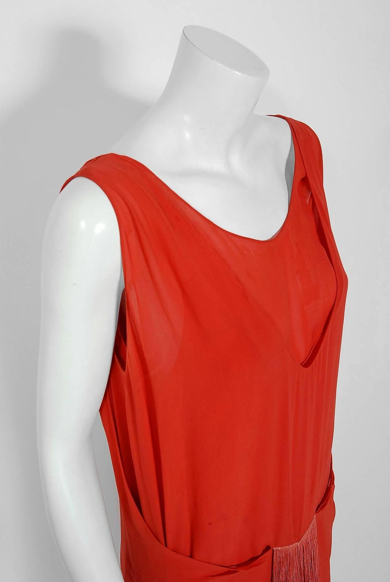 Red 1920's Cinnamon Silk-Chiffon Sculpted Ombre Fringe Sleeveless Flapper Dress For Sale