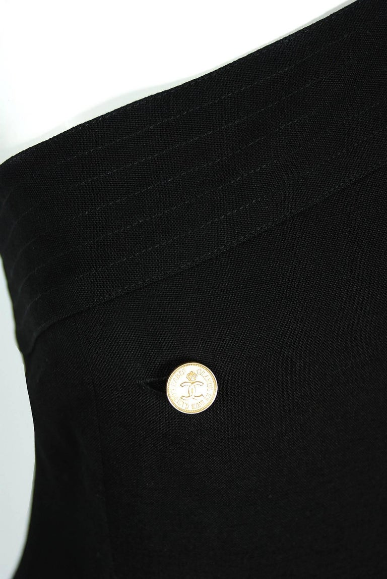 Women's Vintage 1995 Chanel Black Linen One Shoulder Asymmetric Double-Breasted Dress For Sale