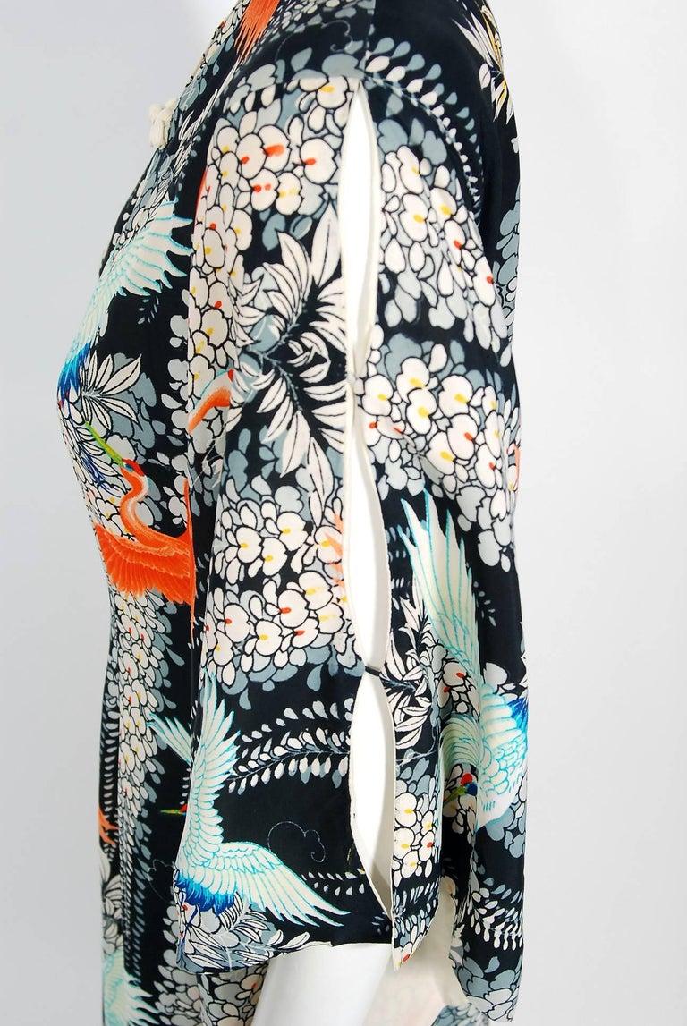Women's 1940's Hawaiian Novelty Crane-Bird Tropical Print Silk Rayon Pake Muu Gown Dress For Sale