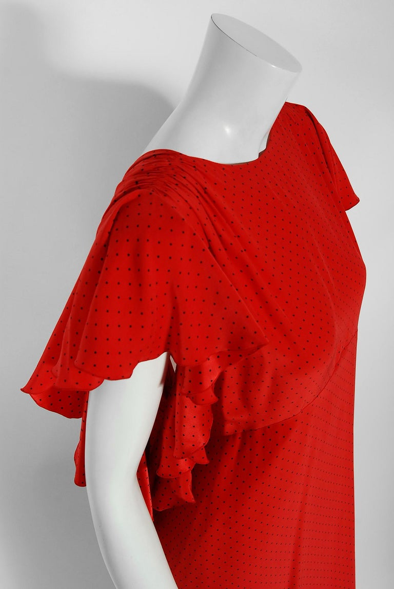 Women's Vintage 1979 Yves Saint Laurent Haute-Couture Red Dotted Silk Backless Gown For Sale