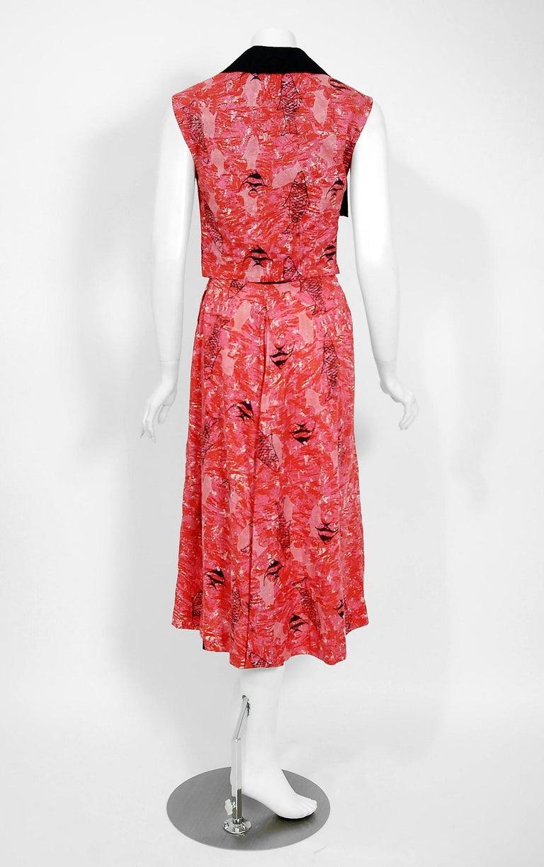 1940's Swimming Fish Novelty Print Black & Pink Cotton Halter Dress w/ Bolero For Sale 4