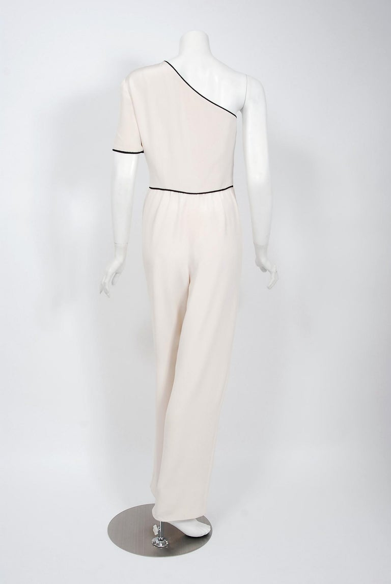1979 Bill Blass Couture Ivory Silk One-Shoulder Asymmetric Ruched Jumpsuit For Sale 1