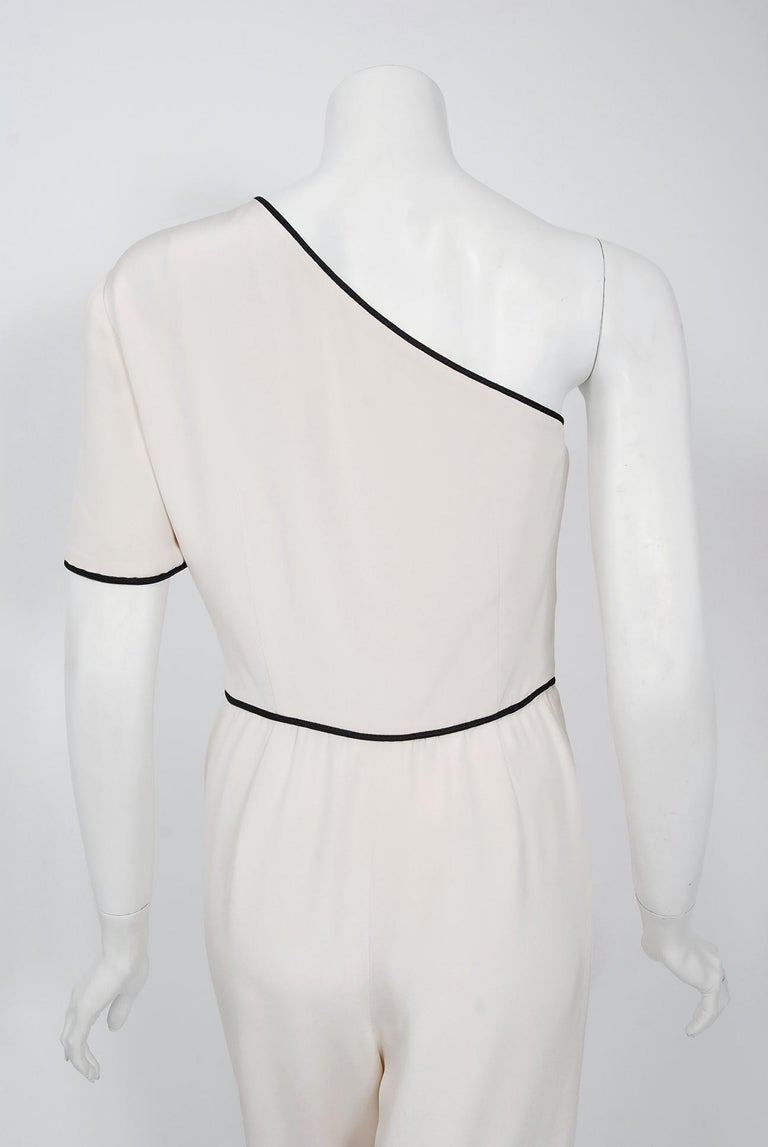 1979 Bill Blass Couture Ivory Silk One-Shoulder Asymmetric Ruched Jumpsuit For Sale 2