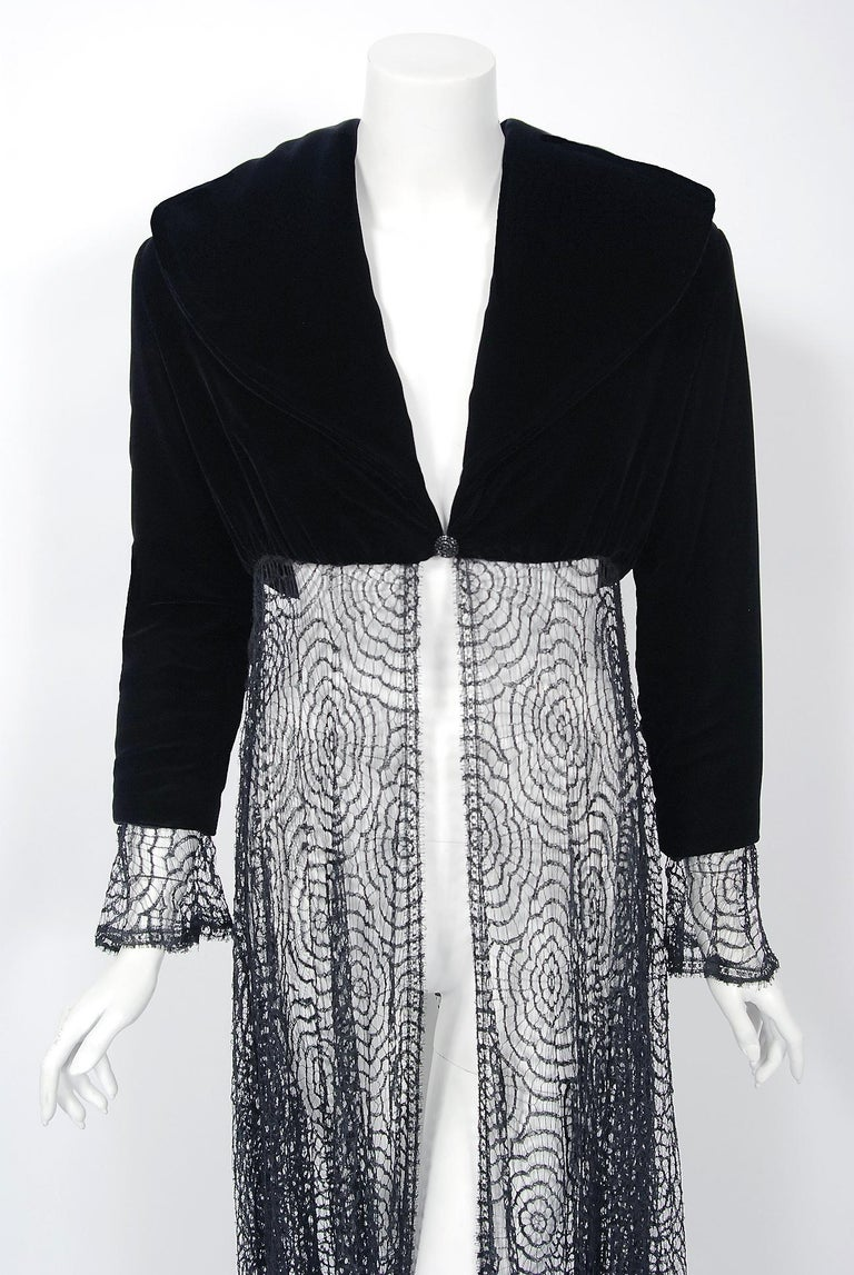 Vintage 1995 Karl Lagerfeld for Chloe Black Spiderweb Lace Velvet Dress & Jacket In Excellent Condition For Sale In Beverly Hills, CA