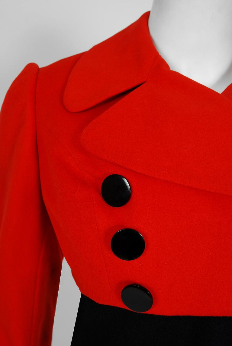 1957 Traina-Norell Red Black Wool Cropped Double-Breasted Jacket & Dress Suit In Good Condition For Sale In Beverly Hills, CA