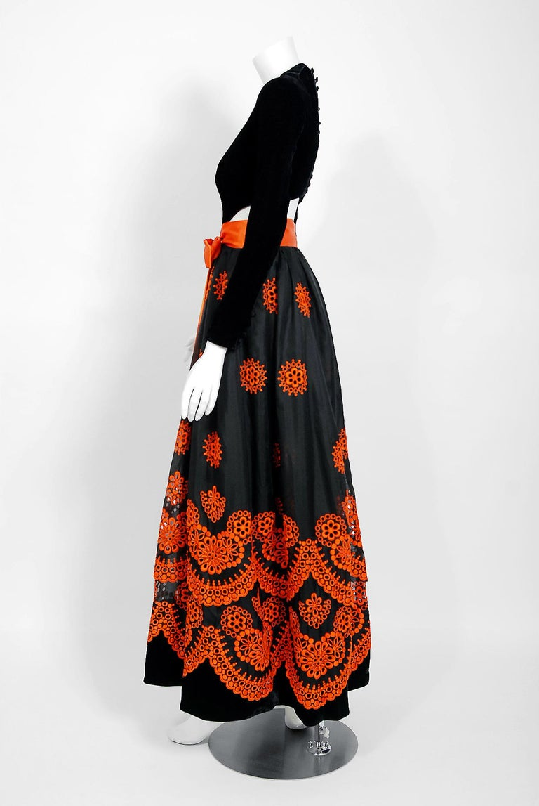 Vintage 1973 Pierre Balmain Haute-Couture Embroidered Black Organza Cut-Out Gown For Sale 2