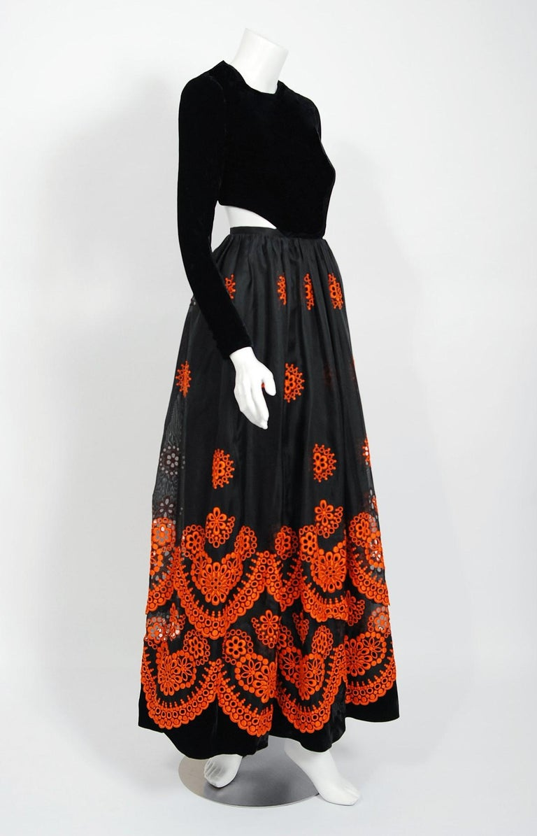 Vintage 1973 Pierre Balmain Haute-Couture Embroidered Black Organza Cut-Out Gown For Sale 1