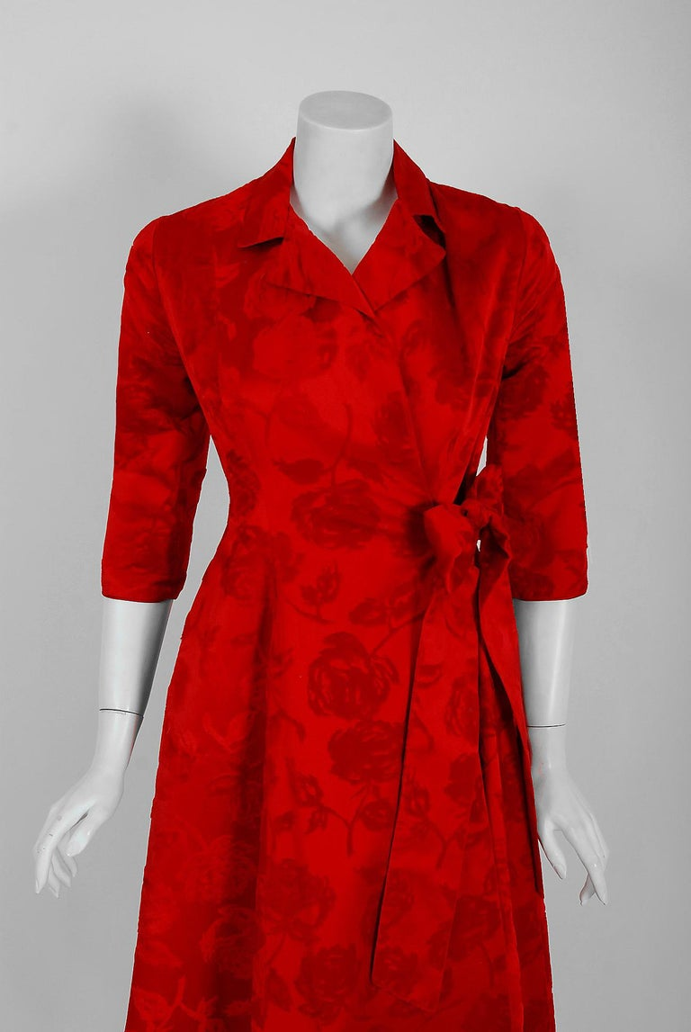 Women's 1962 Juel Park of Beverly Hills Couture Red-Roses Flocked Satin Dressing Gown For Sale