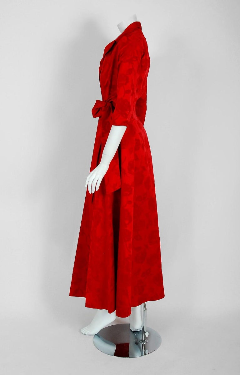 1962 Juel Park of Beverly Hills Couture Red-Roses Flocked Satin Dressing Gown For Sale 3