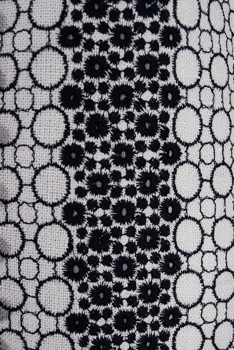 Women's Vintage 1990's Carolina Herrera Black White Deco-Circles Embroidery Linen Jacket For Sale