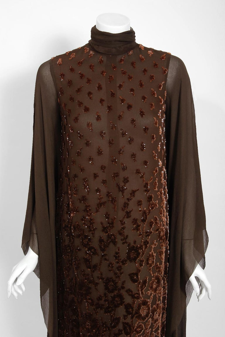 1969 Christian Dior Haute-Couture Brown Floral Flocked Silk Kimono Sleeve Gown In Excellent Condition For Sale In Beverly Hills, CA