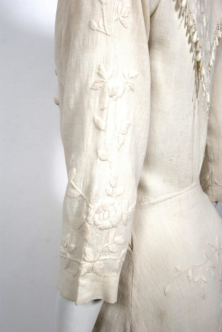 Women's 1916 Edwardian Ivory Embroidered Roses Silk Crepe Fringe Collar Tiered Gown For Sale