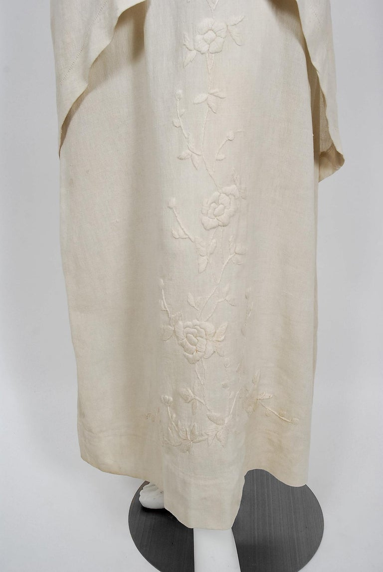 1916 Edwardian Ivory Embroidered Roses Silk Crepe Fringe Collar Tiered Gown For Sale 1