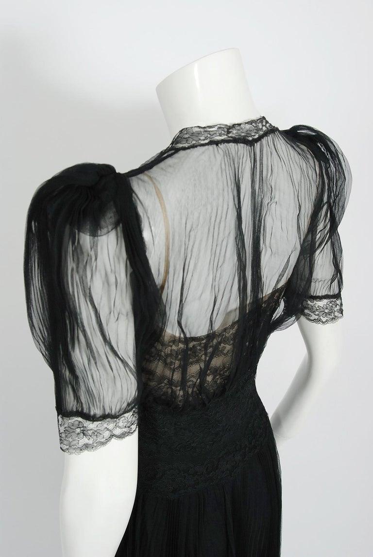1930's Hattie Carnegie Pleated Black Chiffon & Lace Puff Sleeve Bias-Cut Dress  For Sale 4