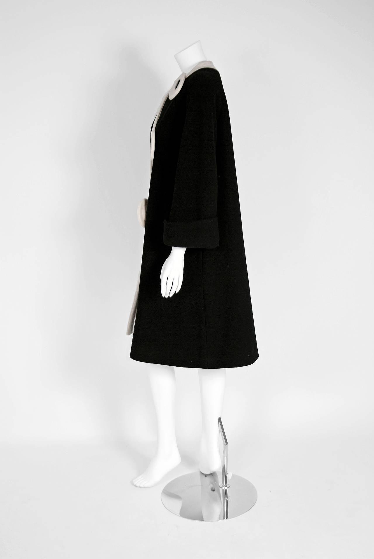 1960's Pierre Cardin Black & Ivory Block-Color Wool Mod Space-Age Swing Coat For Sale 1