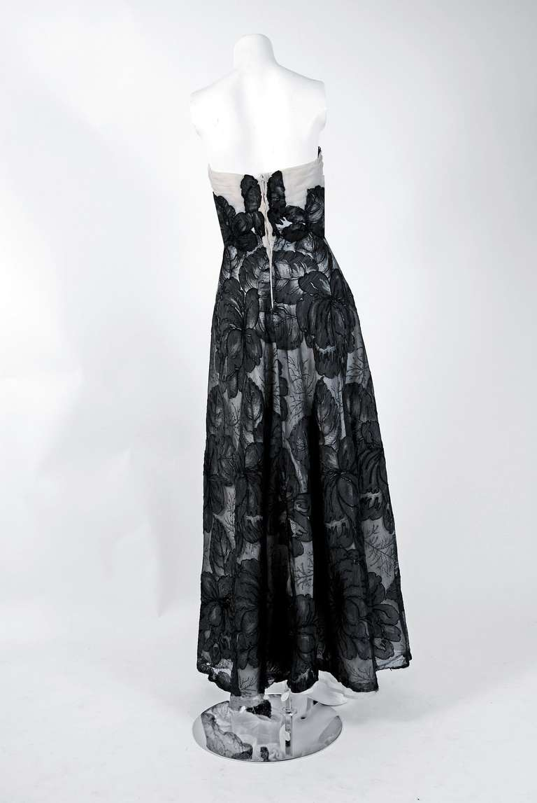 Hattie Carnegie Black and White Lace Illusion Asymmetric Strapless Gown, 1951 For Sale 2
