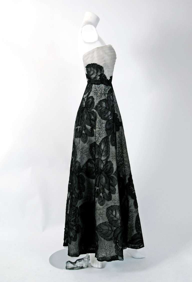 Hattie Carnegie Black and White Lace Illusion Asymmetric Strapless Gown, 1951 For Sale 1
