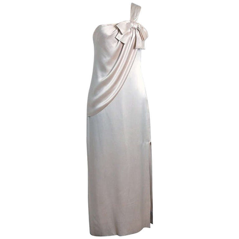1960's Ivory-Creme Draped Silk One-Shoulder Grecian Goddess Evening Gown For Sale
