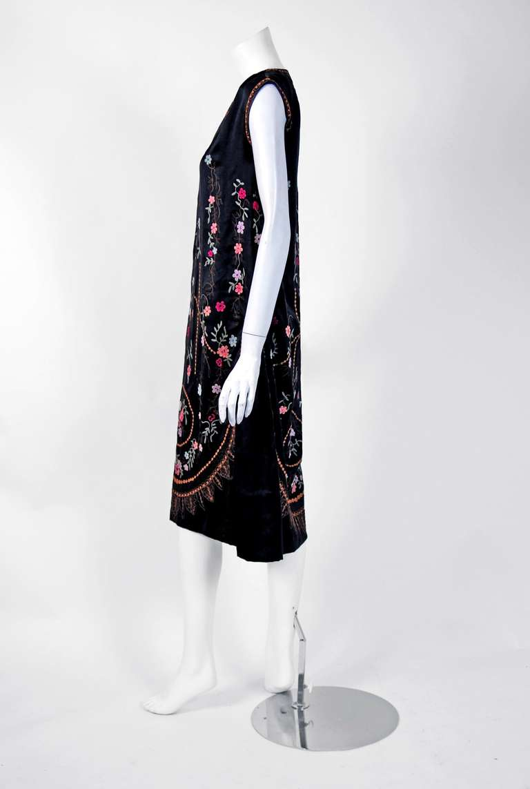 1920's French Heavily-Embroidered Metallic Floral Silk Drop-Waist Flapper Dress 5