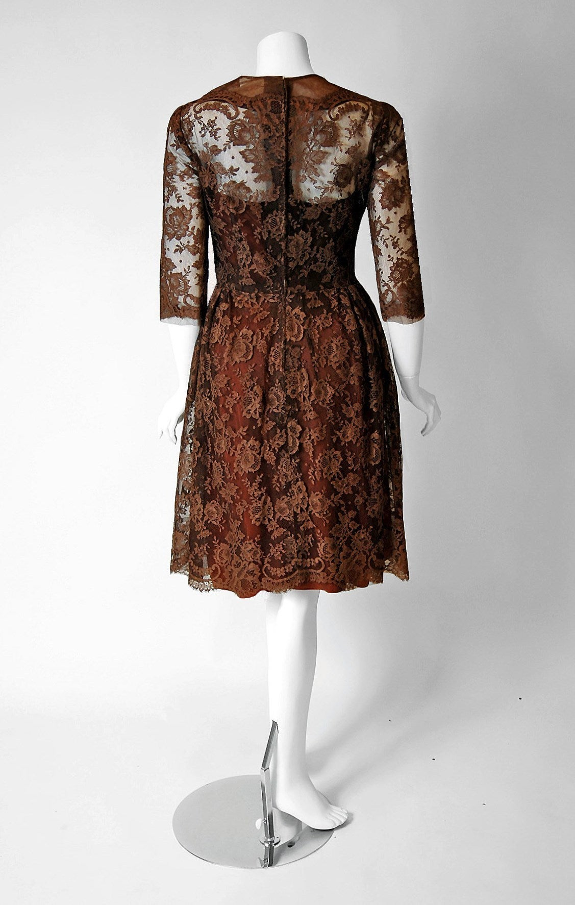 1955 Maggy Rouff Haute-Couture Brown Sheer Illusion Chantilly-Lace Party Dress In Excellent Condition For Sale In Beverly Hills, CA