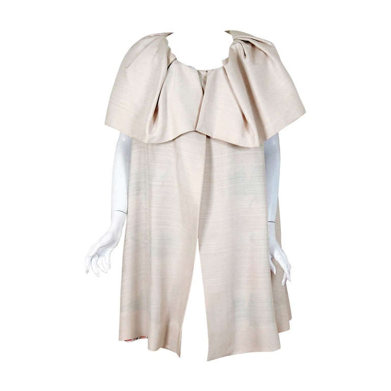 1960's Arnold Scaasi Elegant Ivory-Creme Silk Portrait-Collar Cape Jacket For Sale