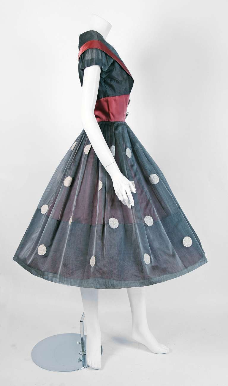 1950's Polka-Dot Gray Embroidered Organza Portrait-Collar Full Party Dress 3