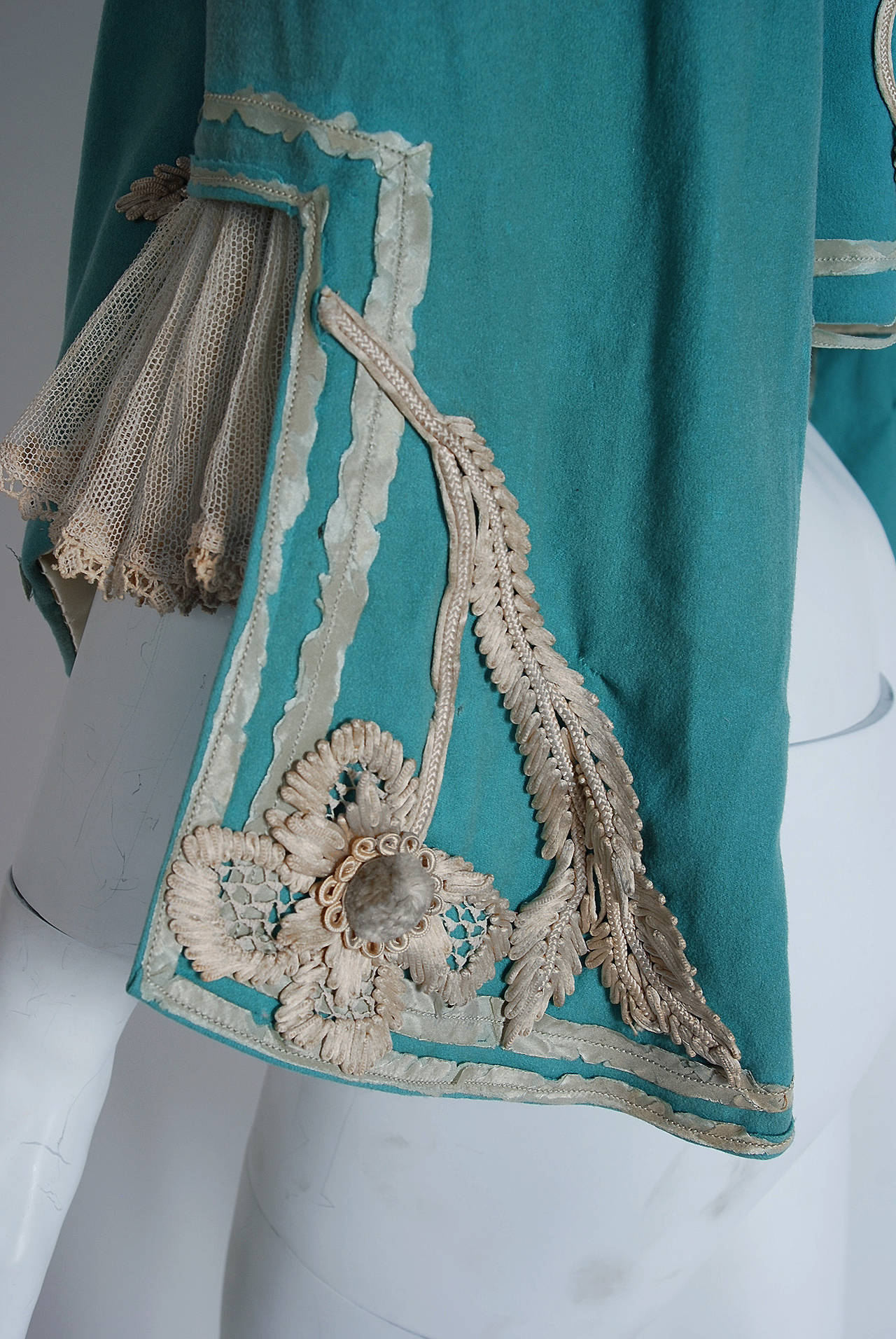 1890's Victorian Antique Tiffany-Blue Applique Wool Bell-Sleeve Cropped Jacket For Sale 1