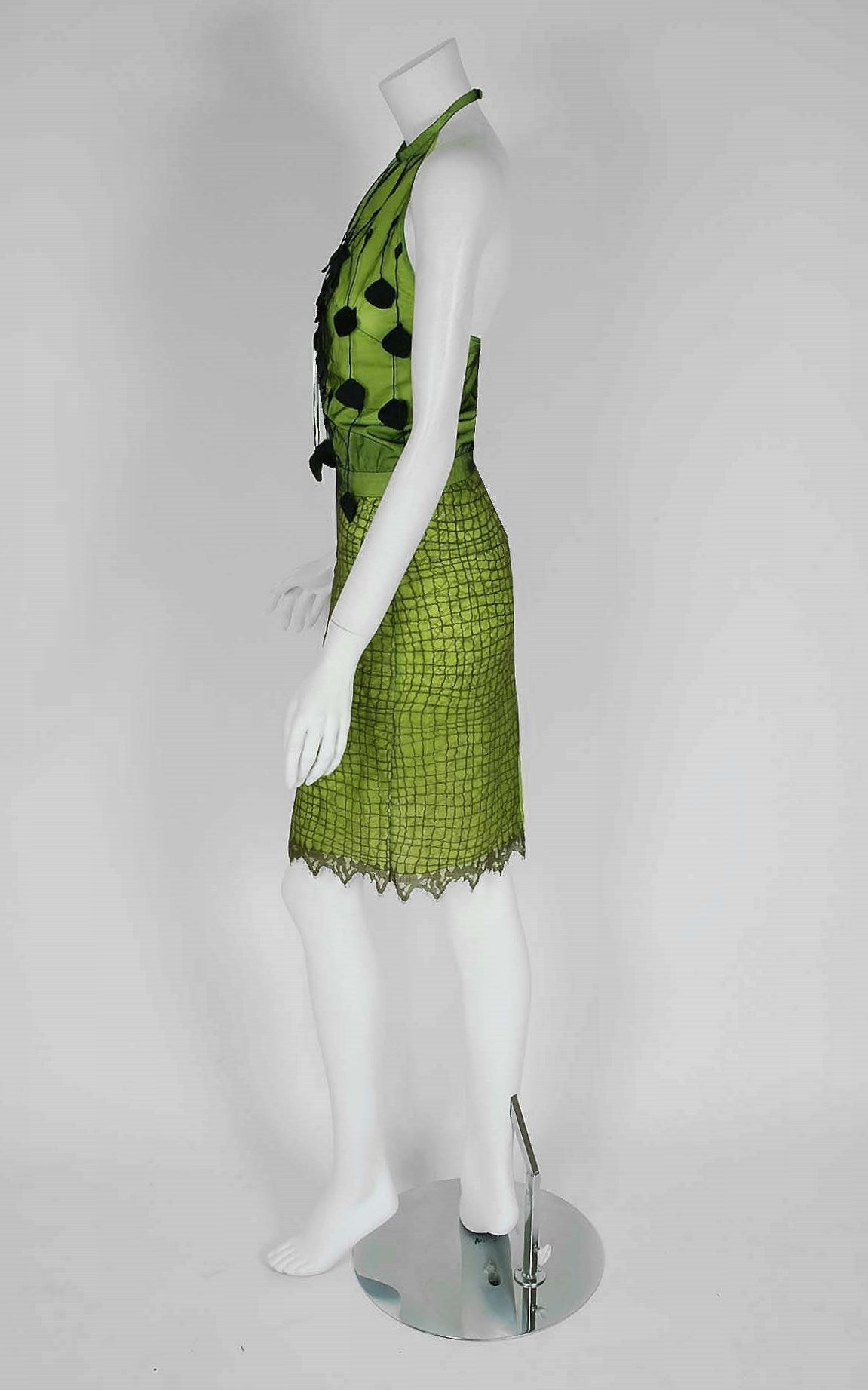 1990's Gianni Versace Couture Chartreuse Fringe Lace Halter Cocktail Dress Set In Excellent Condition For Sale In Beverly Hills, CA