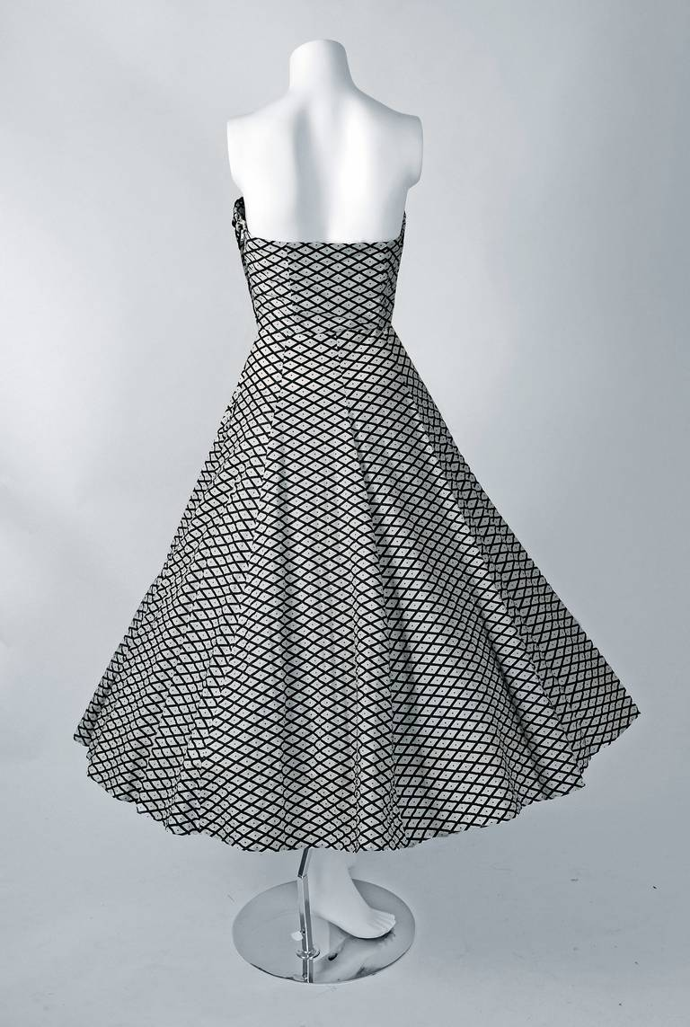 1950's Metallic Polka-Dot Black White Print Cotton Strapless Sun Dress & Shawl For Sale 1