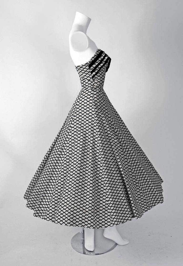 Women's 1950's Metallic Polka-Dot Black White Print Cotton Strapless Sun Dress & Shawl For Sale