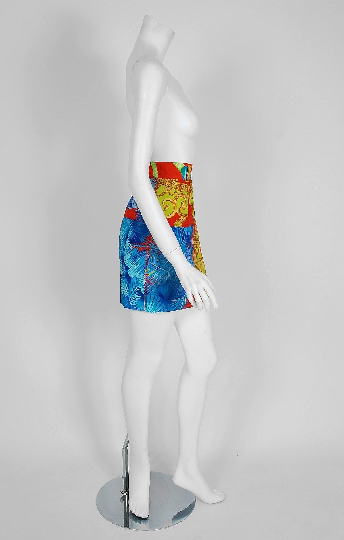 1992 Gianni Versace Couture Colorful Baroque Novelty Palm-Trees Print Mini Skirt In Good Condition For Sale In Beverly Hills, CA