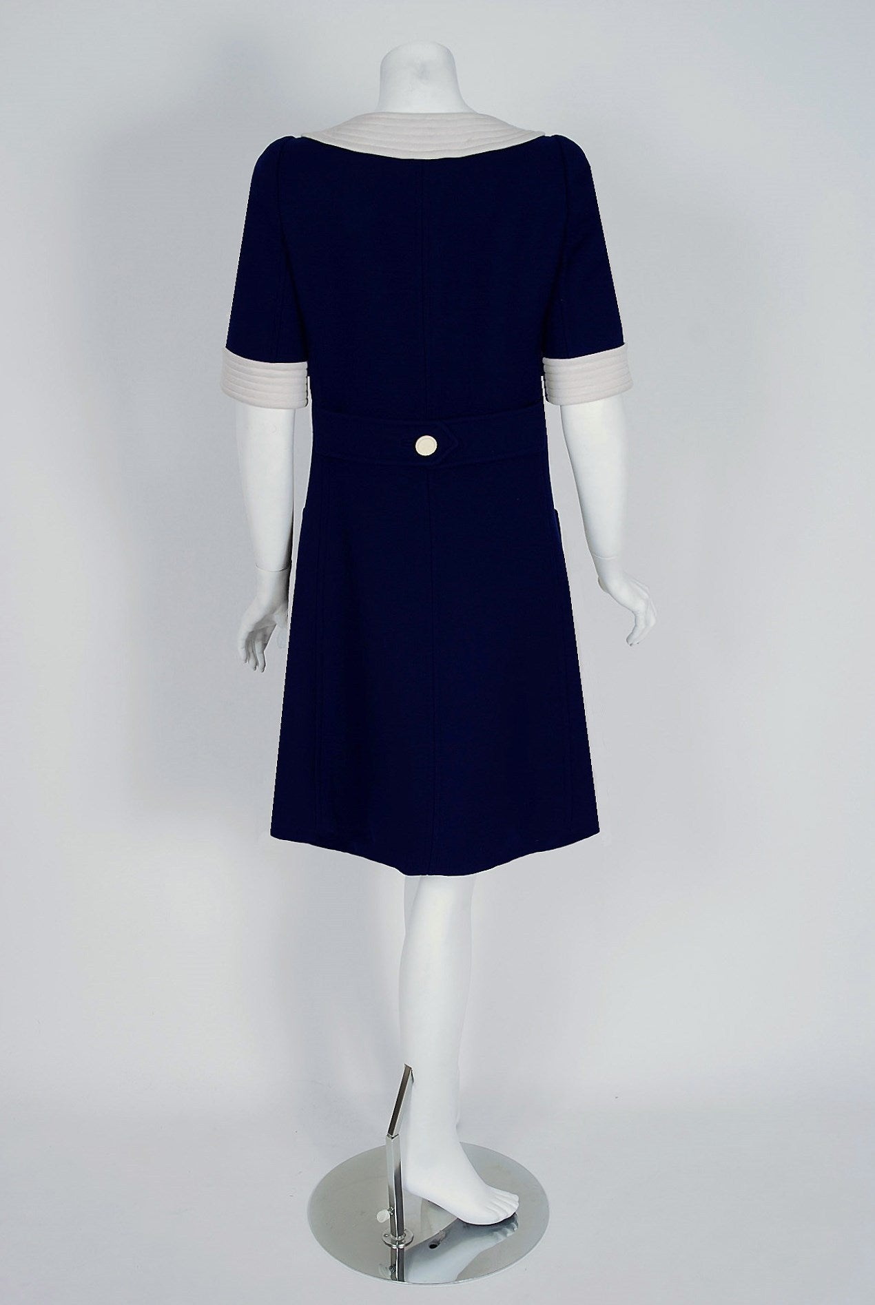 Women's 1967 Courreges Couture Navy-Blue & White Wool Block-Color Mod Space-Age Dress For Sale