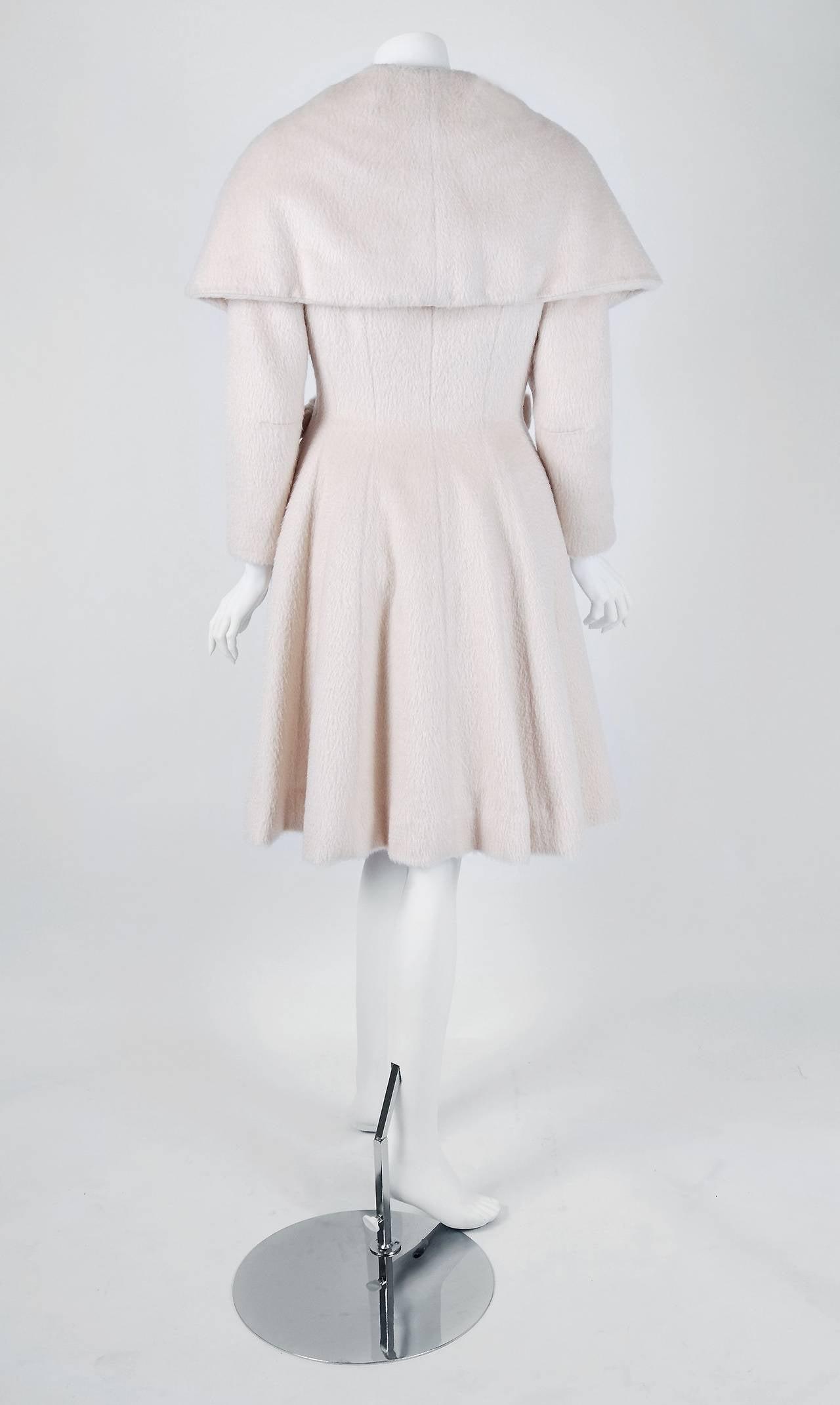 1950's Lilli-Ann Elegant Ivory Creme Wool Shawl-Collar Swing Princess Coat 4