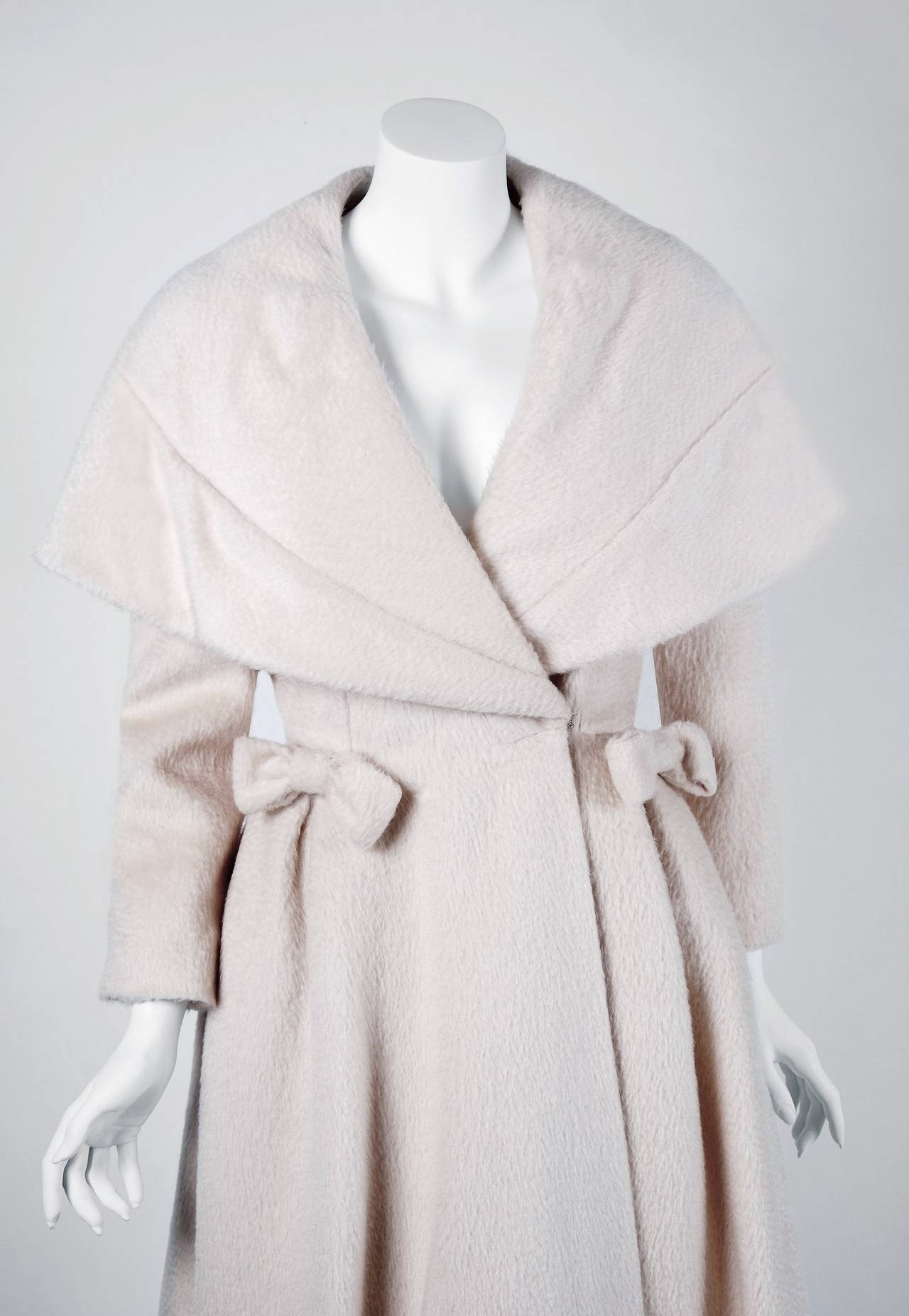 1950's Lilli-Ann Elegant Ivory Creme Wool Shawl-Collar Swing Princess Coat 2