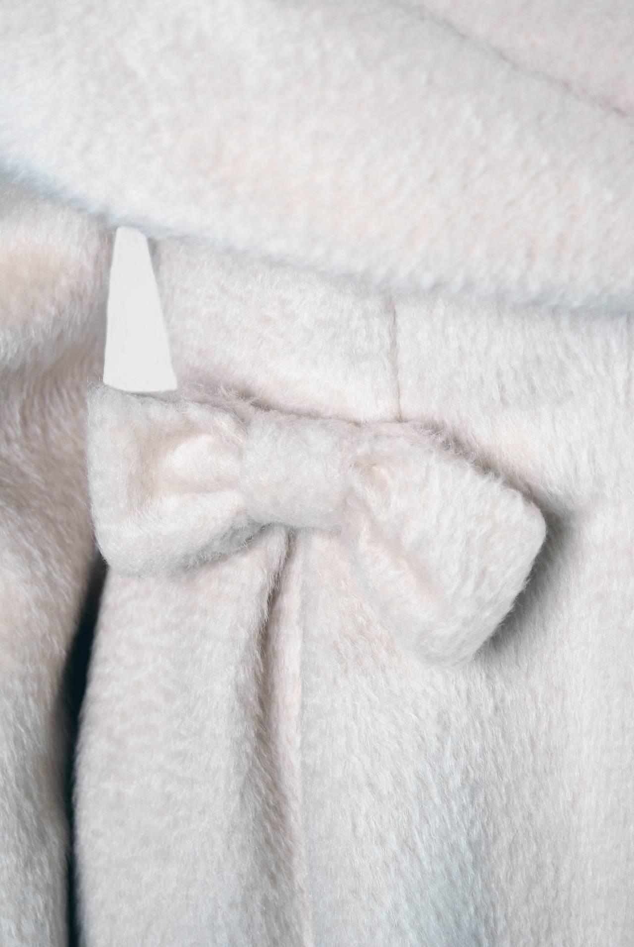 1950's Lilli-Ann Elegant Ivory Creme Wool Shawl-Collar Swing Princess Coat 3