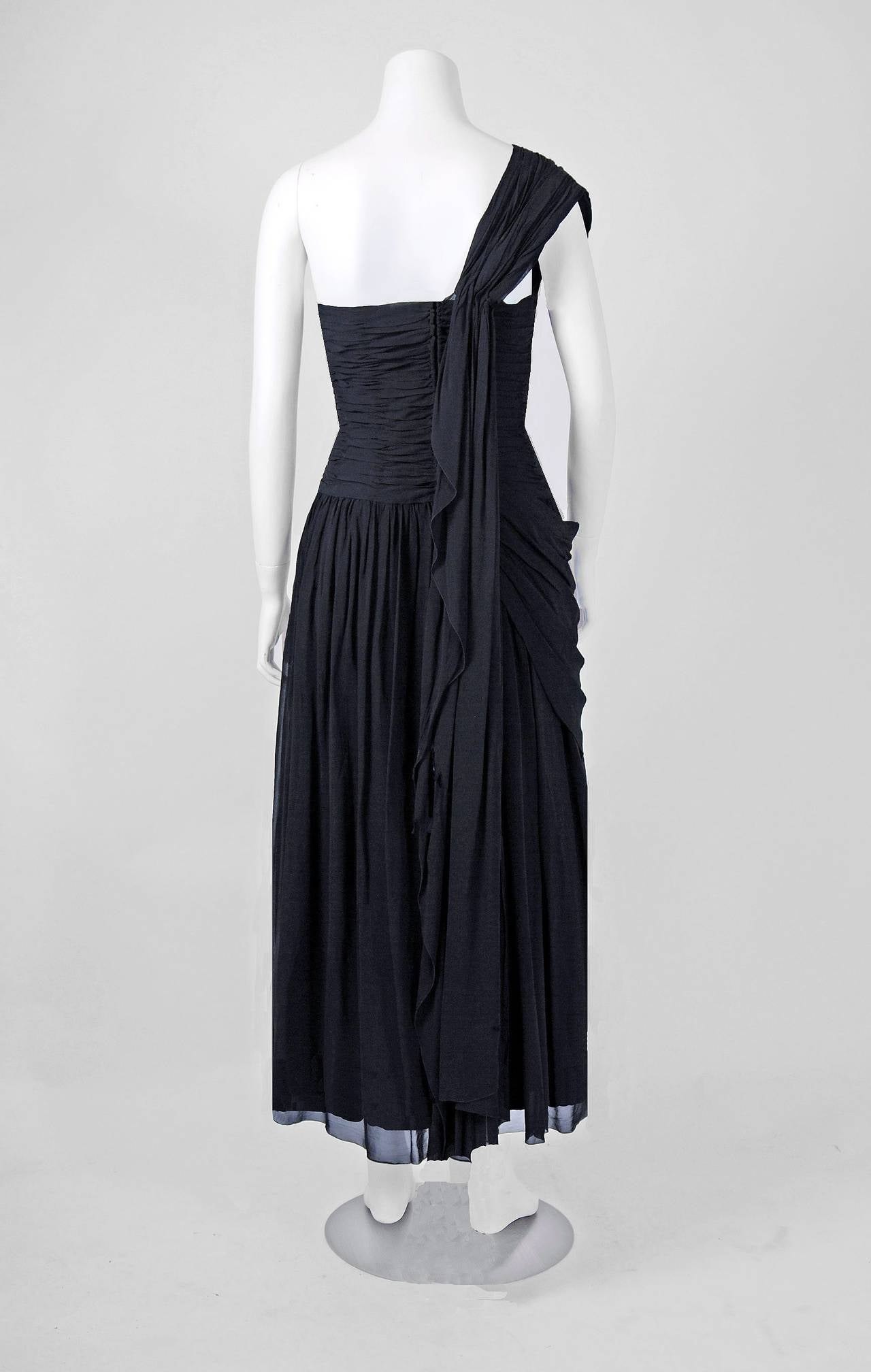 1950's French Couture Heavily-Pleated Black Chiffon One-Shoulder Party Dress For Sale 2