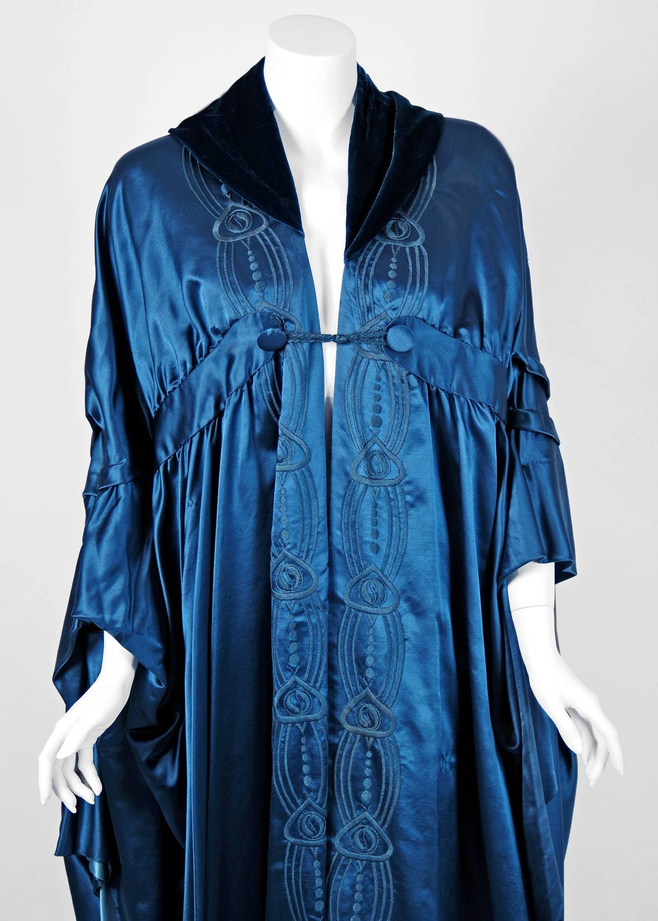 Liberty Couture Steel Blue Embroidered Silk Art Nouveau Draped Coat Cape, 1918  In Excellent Condition For Sale In Beverly Hills, CA