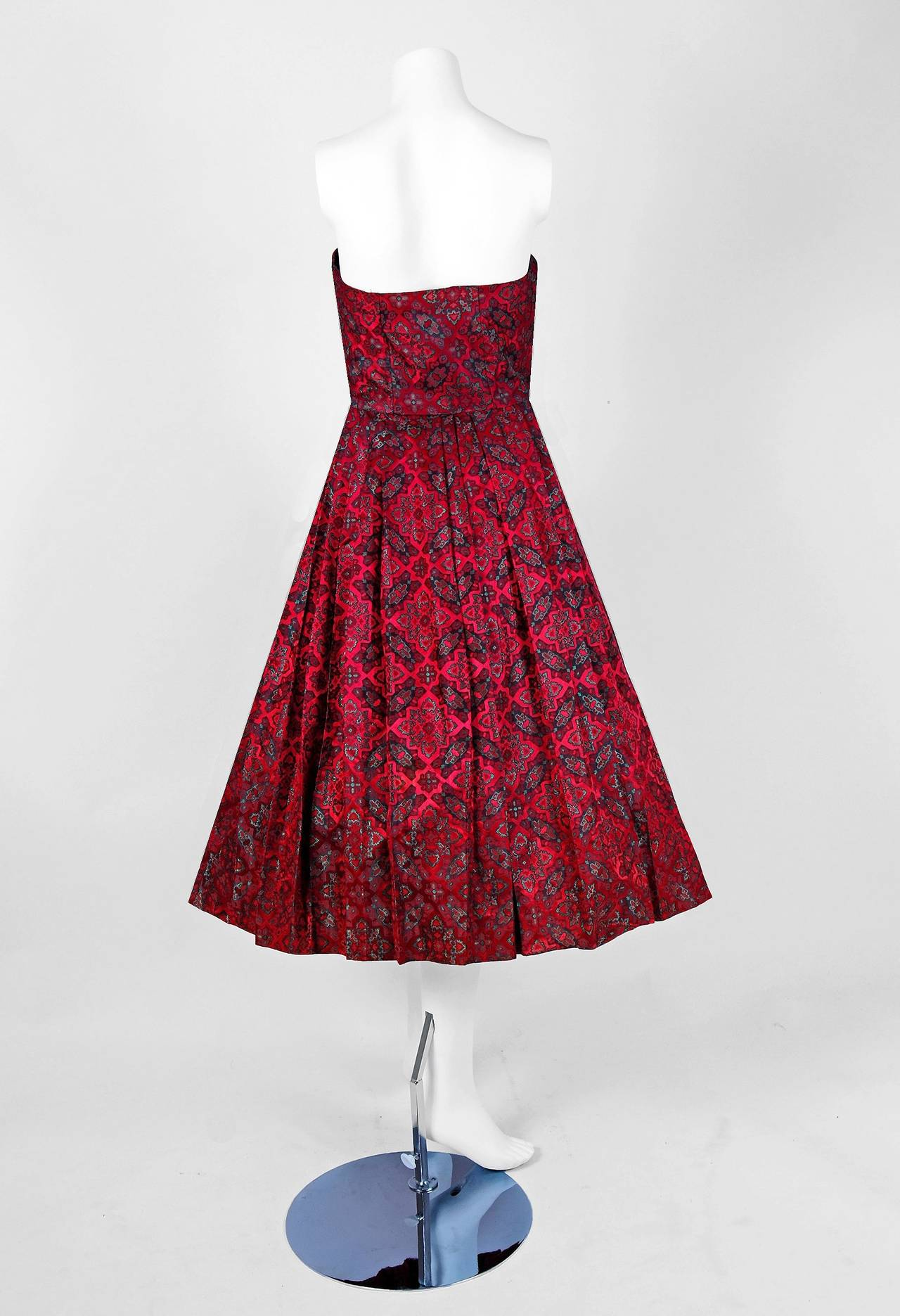 Women's 1950's Eleanora Garnett Couture Strapless Print Brocade Pleated Party Dress For Sale